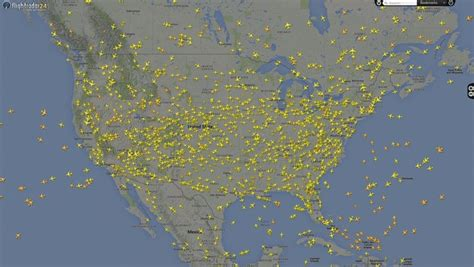 Inside the World of People Who Track Flights for No Reason