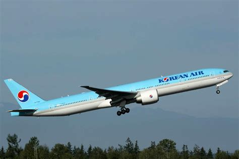 1998 Boeing 777-300 Review - Top Speed