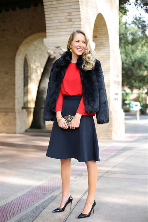 Outfits to Wear to Your Office Christmas Party - All For